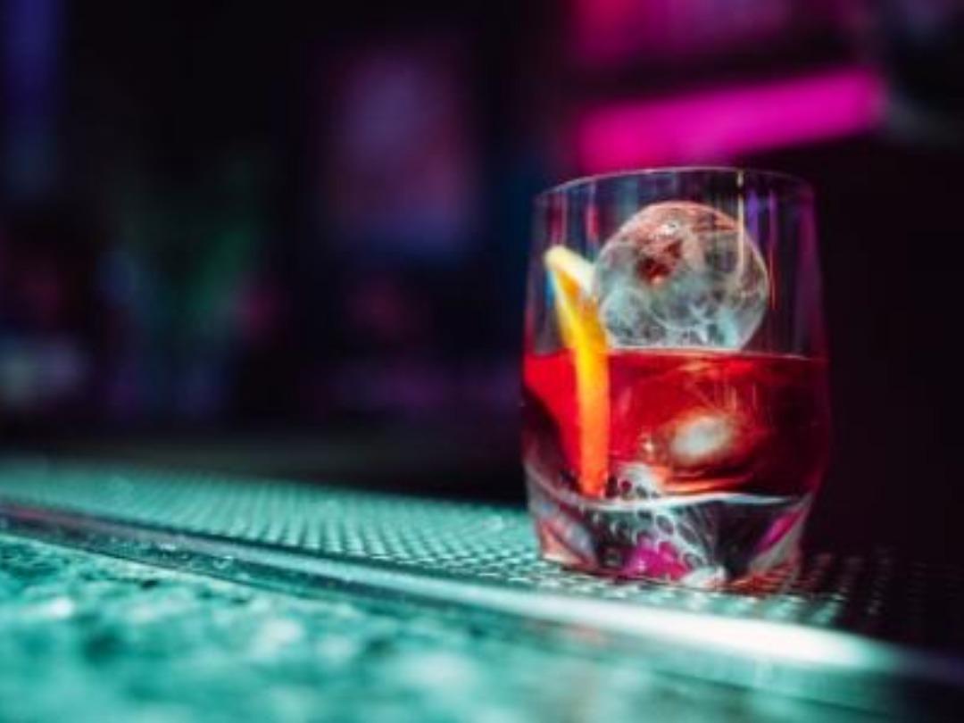 Cocktails στην πλατεία!